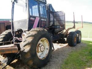 Narrow tyres, roof mount oil cooler, Cranab 1150 crane
